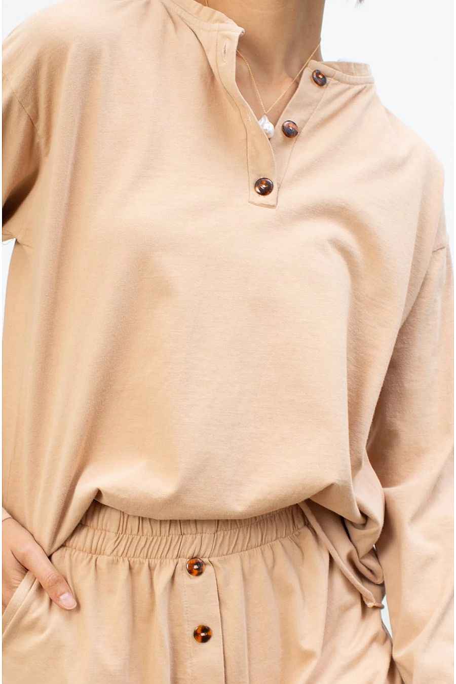 DONNI. Henley Tee - Latte