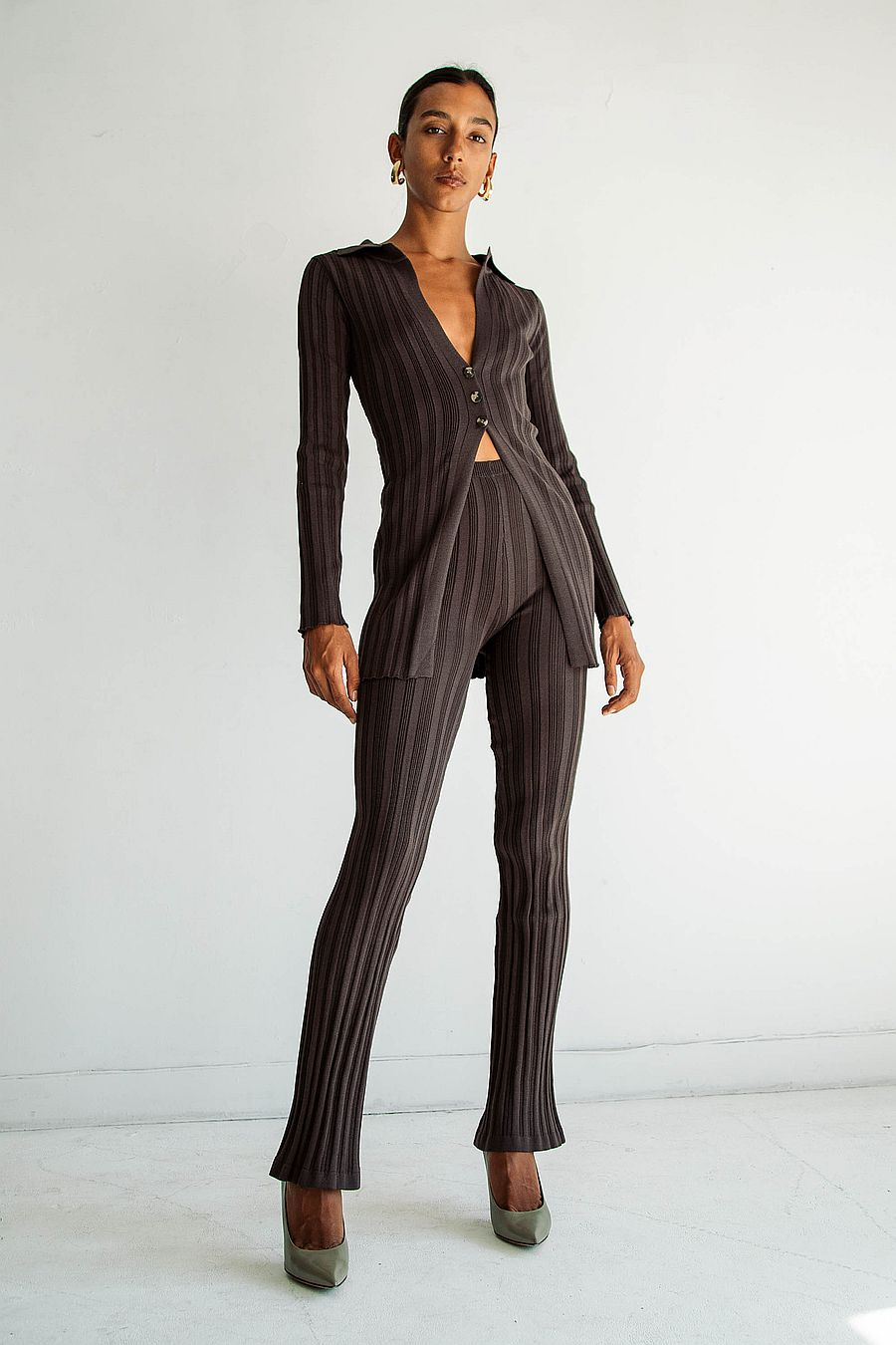The Line by K Daisy Pant