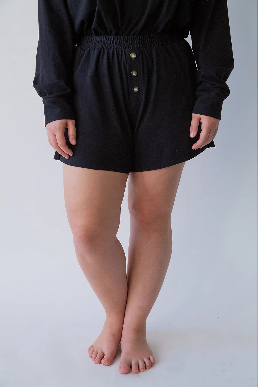DONNI. Henley Short - Black