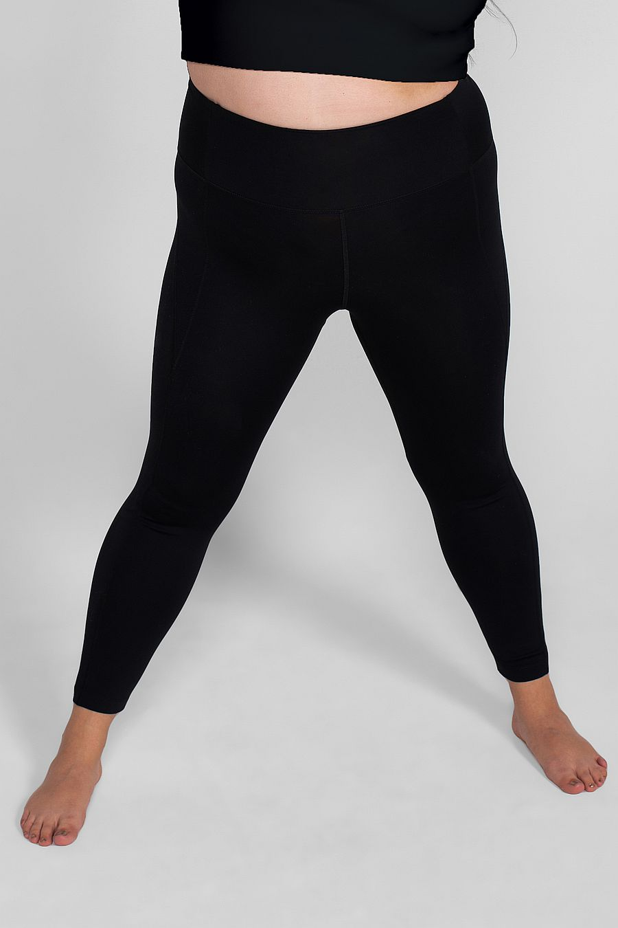 "Girlfriend Collective Black Compressive Legging (28.5"")"