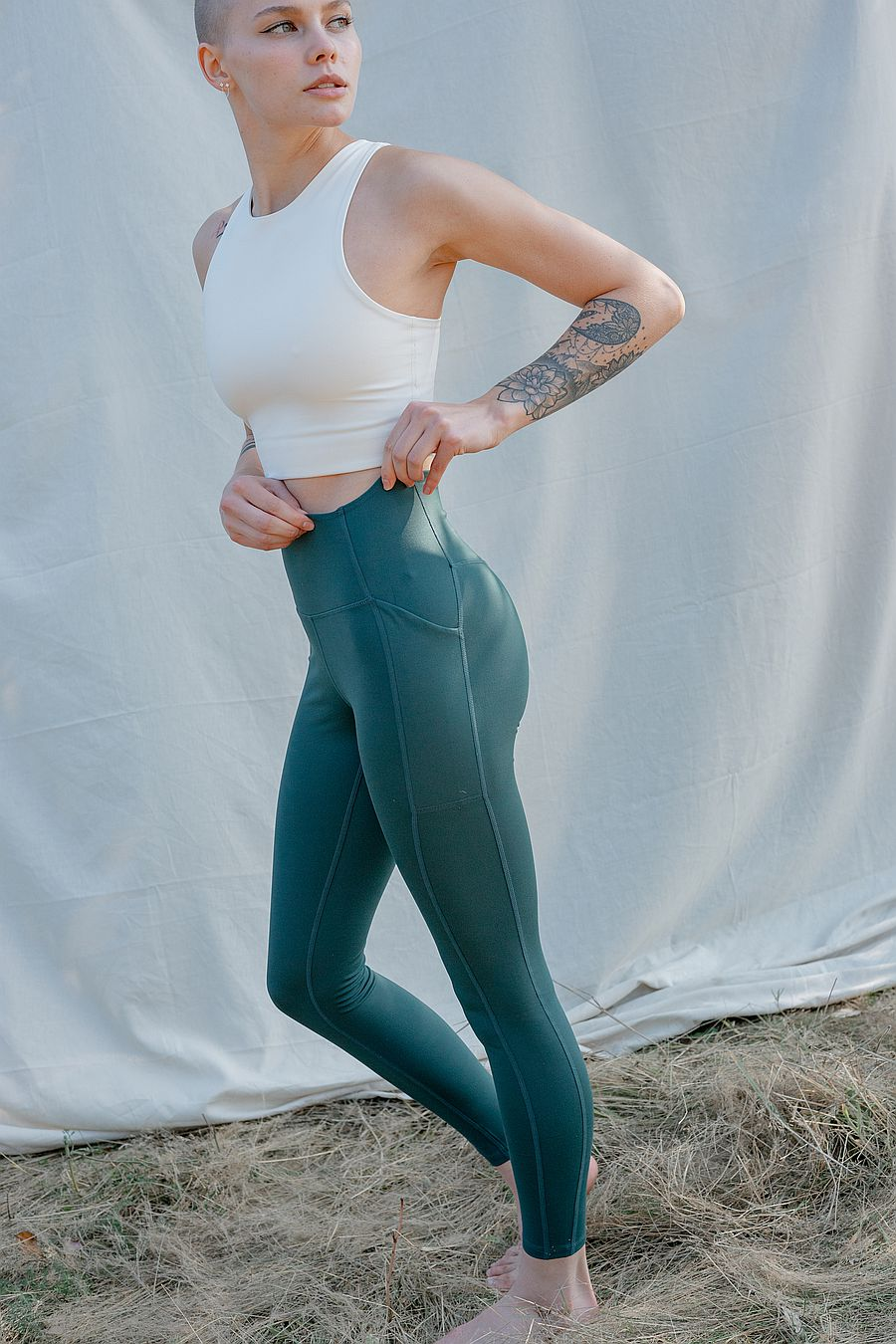 "Girlfriend Collective Moss Pocket Legging (23 3/4"")"