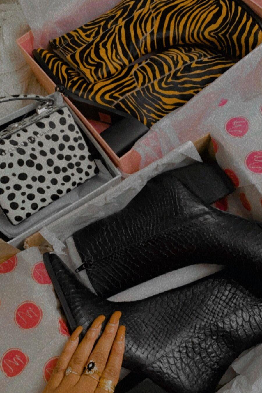 Matisse Footwear Caty Ankle Boot - black snake