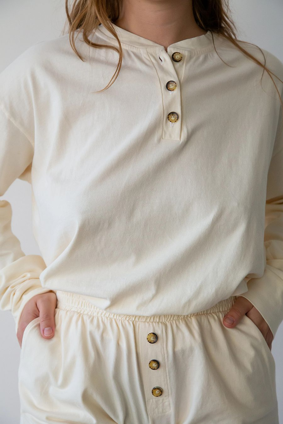 DONNI. Henley Tee - Creme