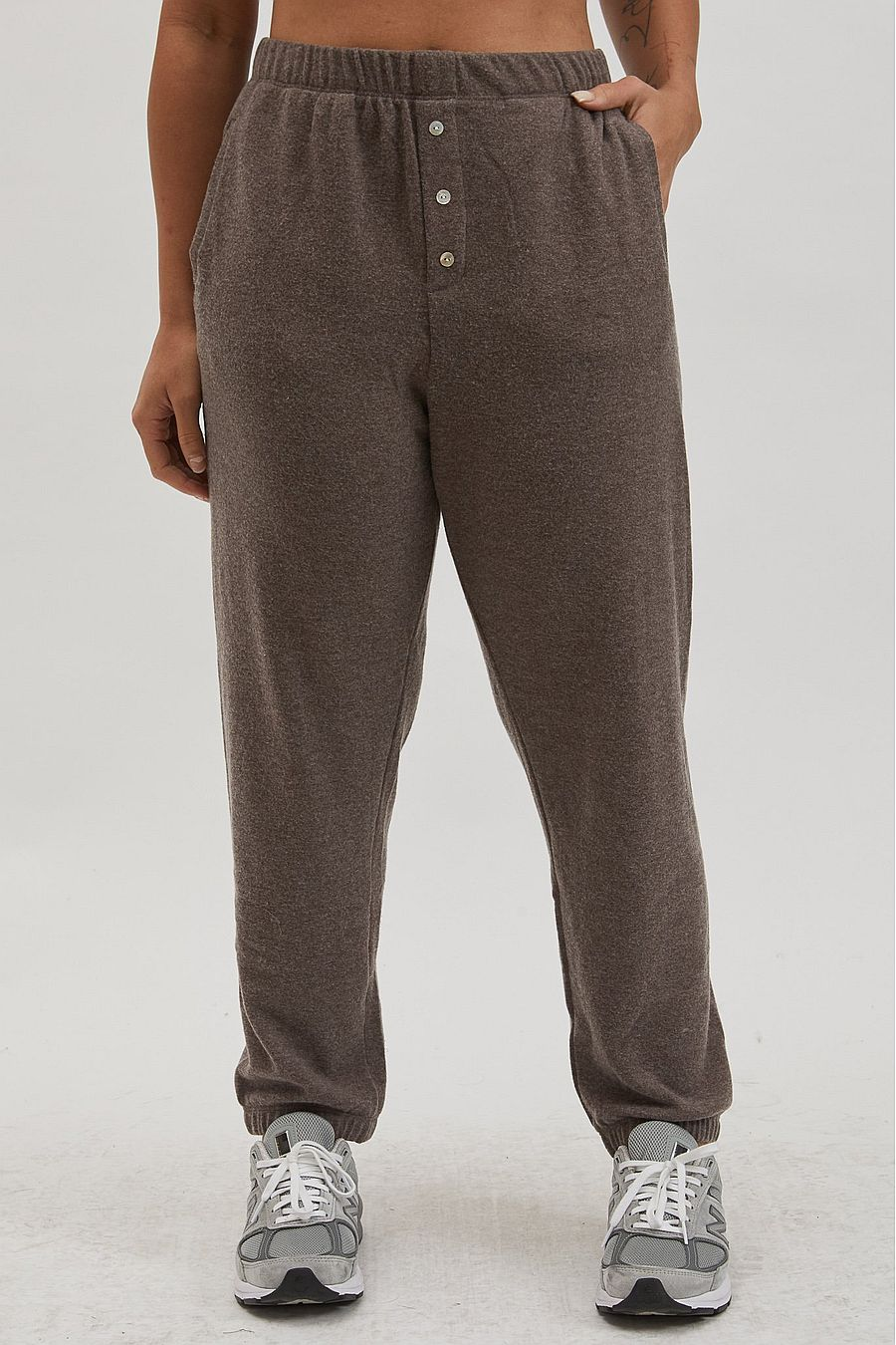 DONNI. Sweater Henley Sweatpant - Chocolate
