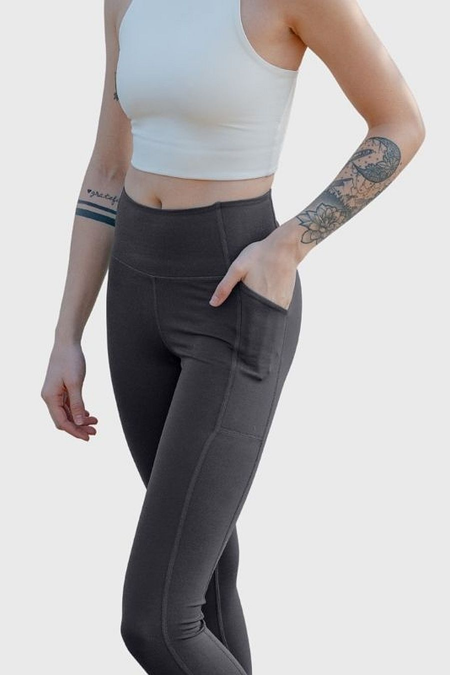 "Girlfriend Collective Smoke Pocket Legging (23 3/4"")"