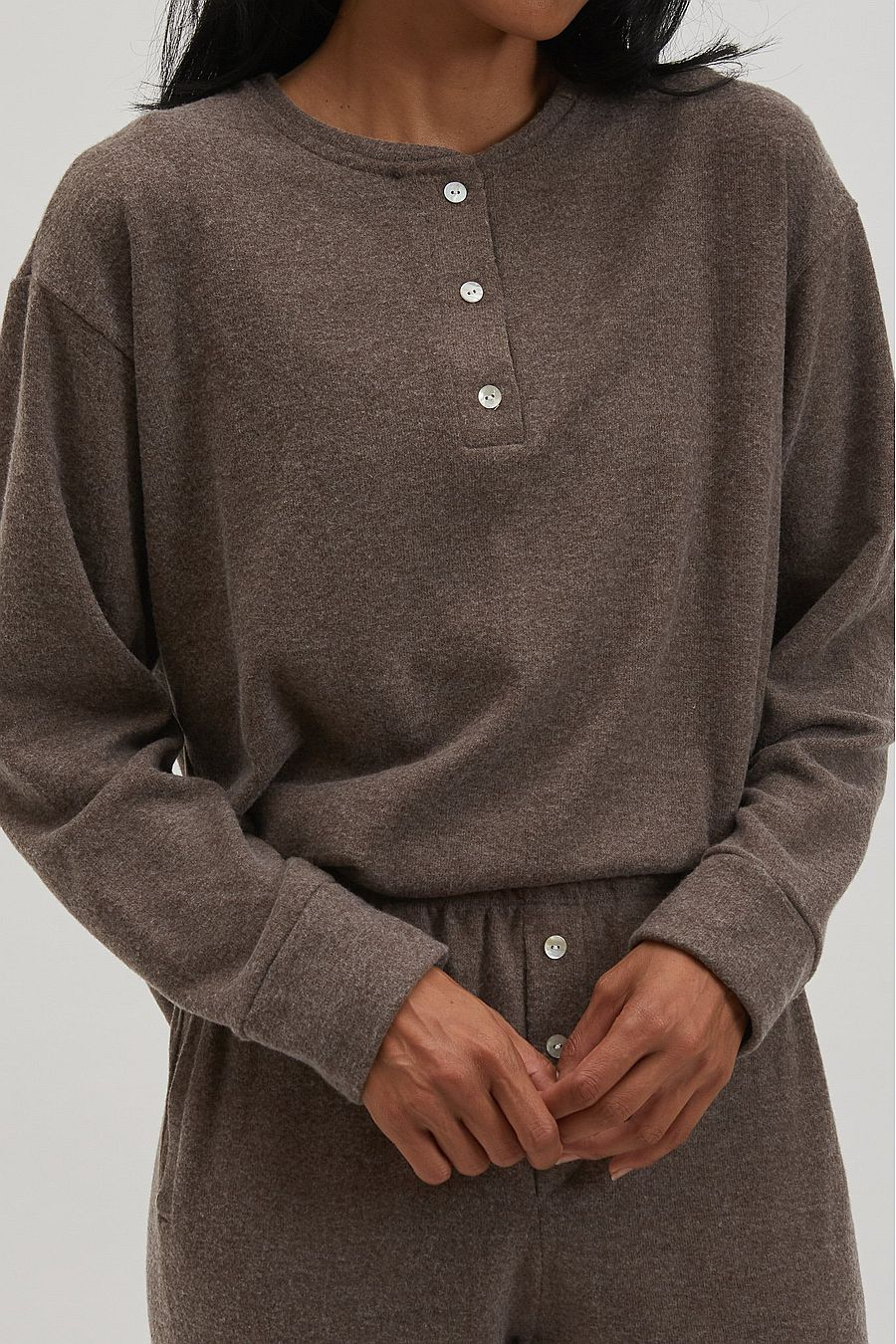 DONNI. Sweater Henley - Chocolate